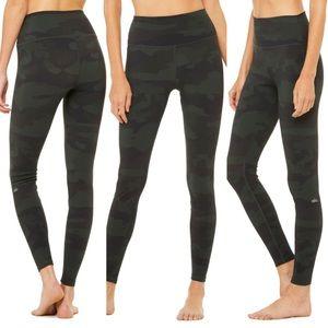 Alo Vapor High Waist Leggings in Black Camouflage